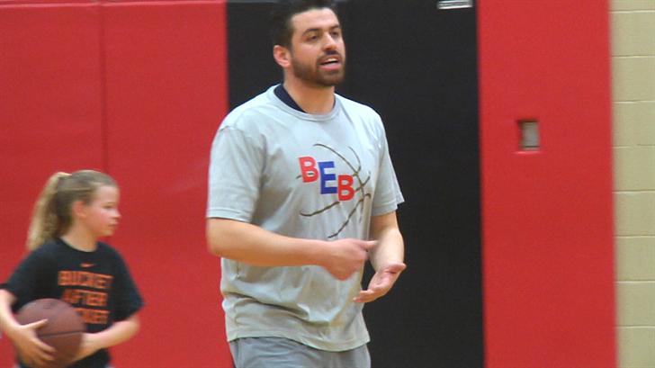 Bryan Edwards Trains Local High School Basketball Talent