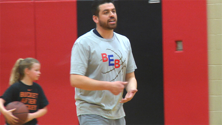 Bryan Edwards Trains Local High School Basketball Talent