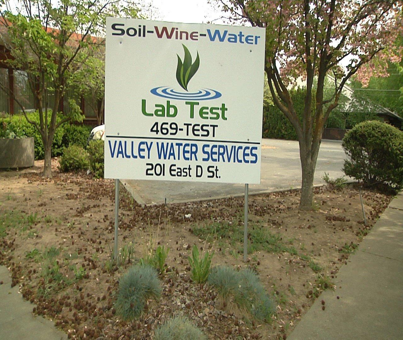 LabTest Business Sign