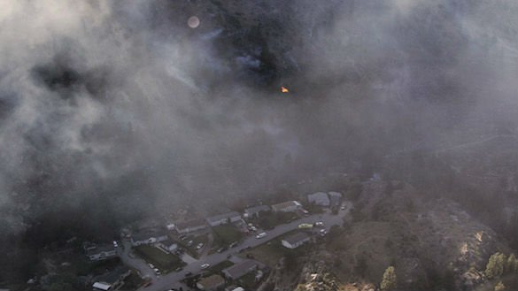 Ribbon Cliff Fire from the air. Photos: GoLakeChelan/Kaitlin Hetterscheidt