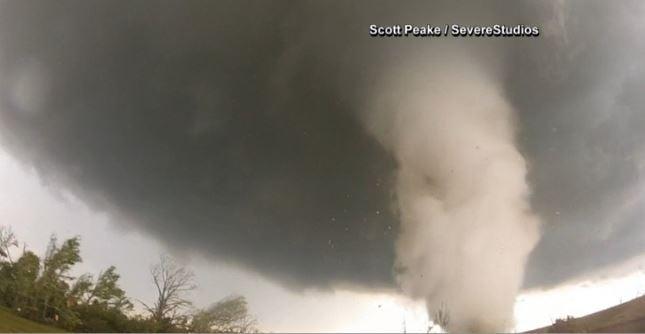 Tornado in Wynnewood, Oklahoma