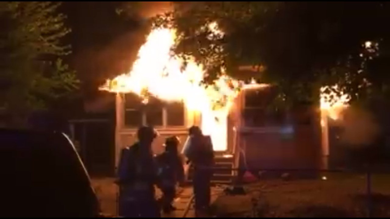 Early morning house fire in Pasco