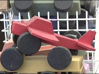 Cwu Students Make Wooden Toy Cars And Planes For Needy Children In