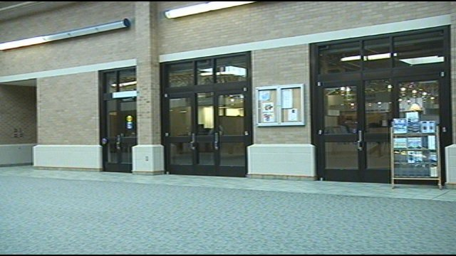 Sex offenders can enroll in school Video included
