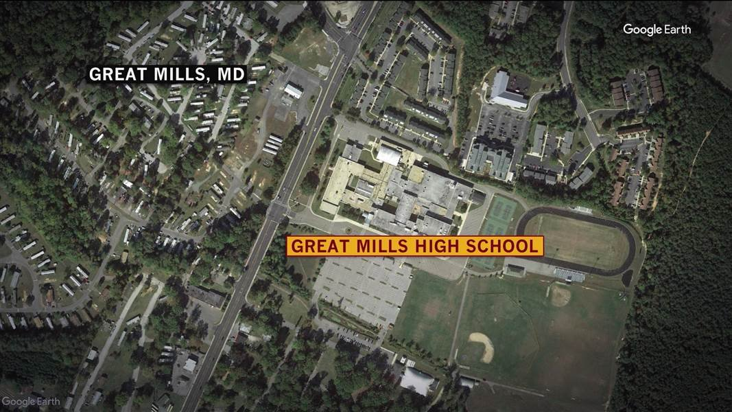USA - Gunman dies after being shot at U.S. school