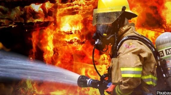 The bill also requires sellers of personal firefighting equipment that contain the chemicals to notify those buyers.