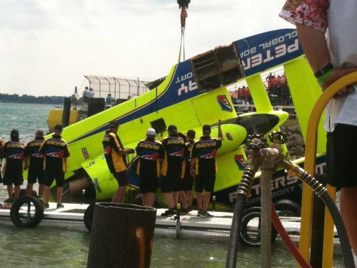 U-11 damage after flipping - PHOTO: Hydropage