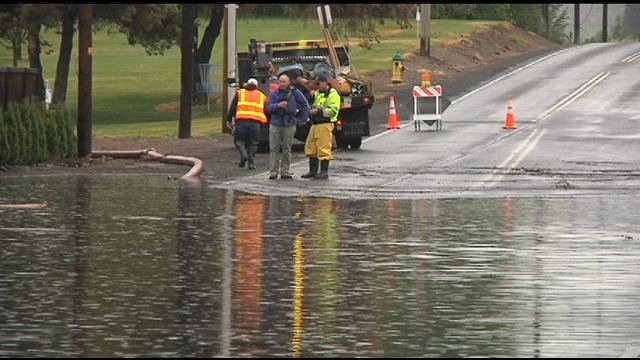 Heavy rain causes flooding in yakima nbc right now kndo - Public swimming pools tri cities wa ...