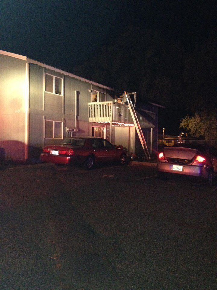 A fire Monday evening in Kennewick along N. Cleveland Street damages two units in an apartment complex.