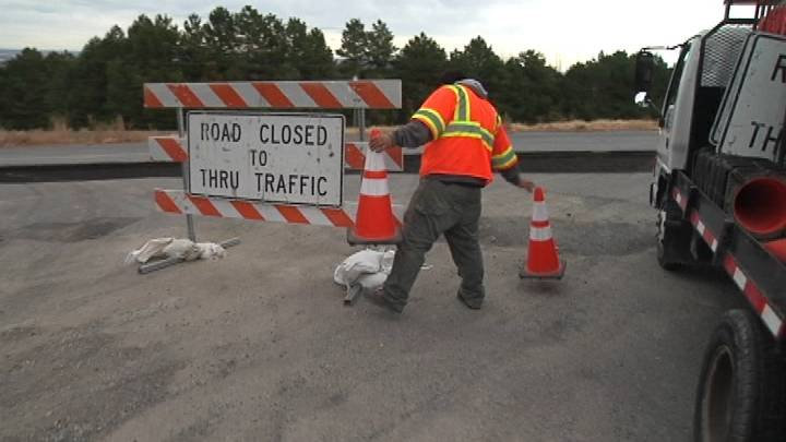 Kennewick Traffic Control workers prepare for a new round of detours along 45th Avenue.