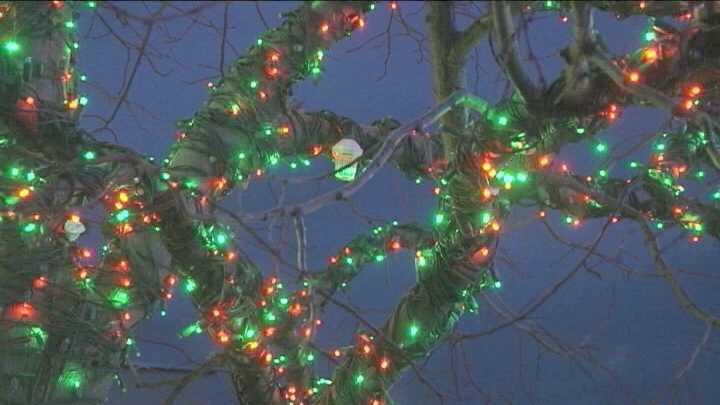 Senske Services in the Tri-Cities this Christmas season will help decorate homes of military families.