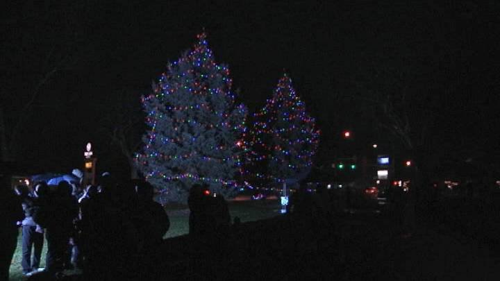 The city of Richland this weekend kicks off the holiday season with its annual tree lighting ceremony at John Dam Plaza.