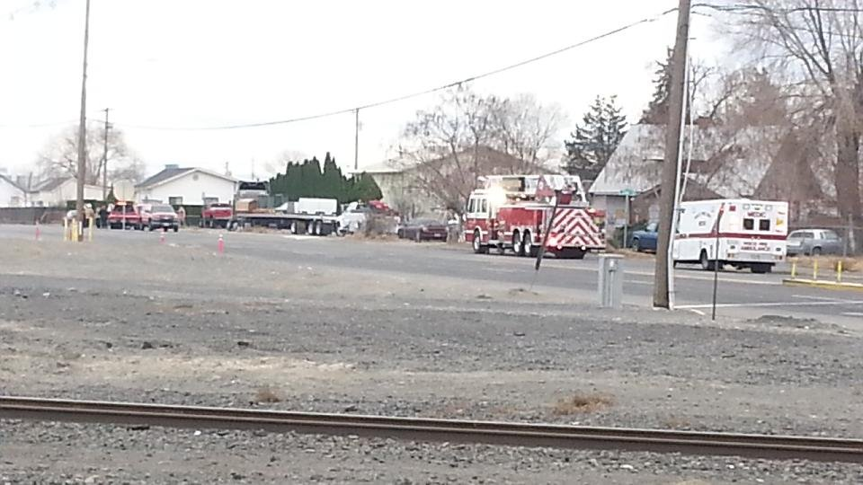Emergency responders say they asked 17 people to temporarily leave 7 homes about 1:00 just after a gas leak in East Pasco.
