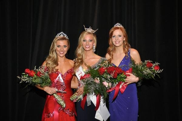 The Miss Tri-Cities Scholarship Program is seeking applicants for the 2014 Miss Tri-Cities Pageant and the 2014 Miss Tri-Cities Outstanding Teen Pageant.