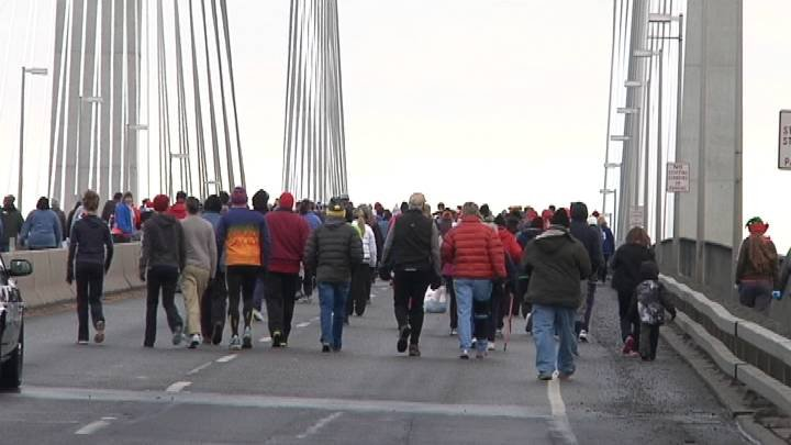 About 1,800 runners registered for the 35th Annual Lampson Cable Bridge Run.