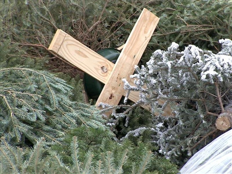 There are no Christmas tree drop off locations in the City of Richland this year.