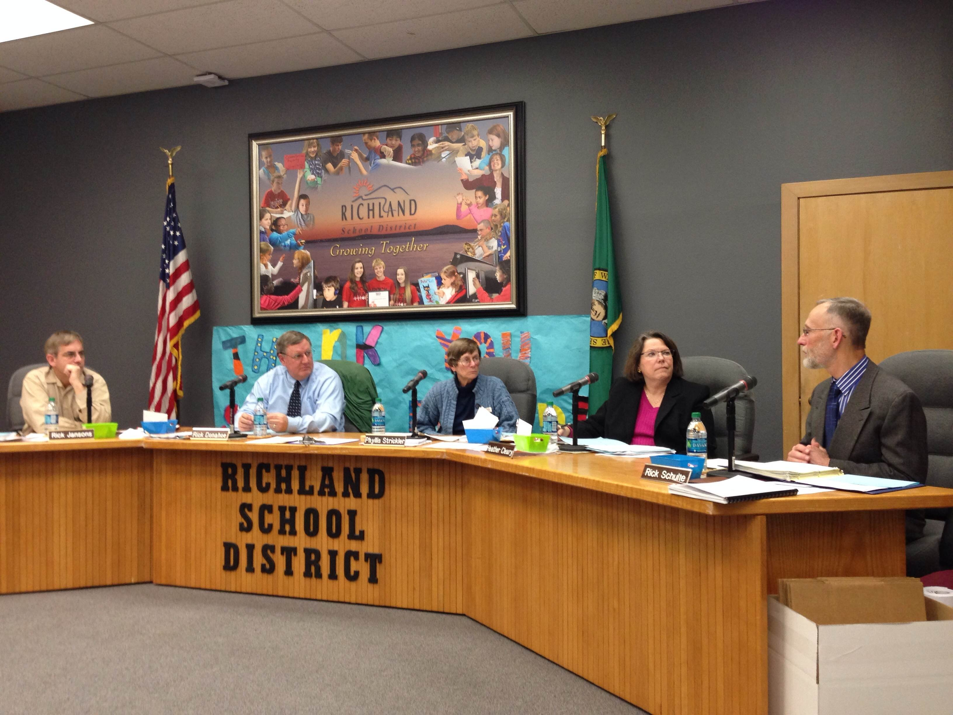 The Richland School Board met Tuesday night to discuss a hot button issue, what to do about the letters removed from two school play fields.