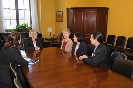 U.S. Senator Patty Murray (D-WA) has met with the family of a Washington state resident who is currently detained in North Korea.