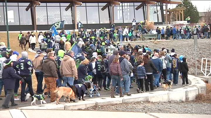 People are preparing for the big game and what better way than with hundreds of other fans.