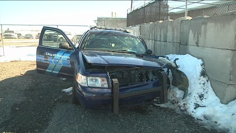 Man fights wapato police steals and crashes patrol car for Betterall motors yakima wa