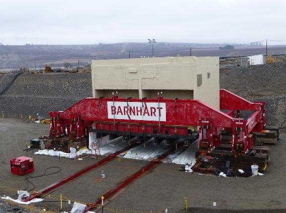 The Department of Energy Richland Operations Office has removed a massive concrete vault from Hanford's 300 Area laboratories.