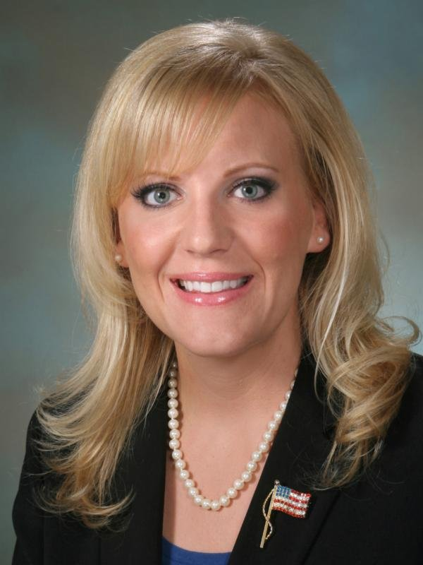 Washington State Senator Janéa Holmquist Newbry (R-Moses Lake) announced she will run to be the next 4th District Congresswoman.