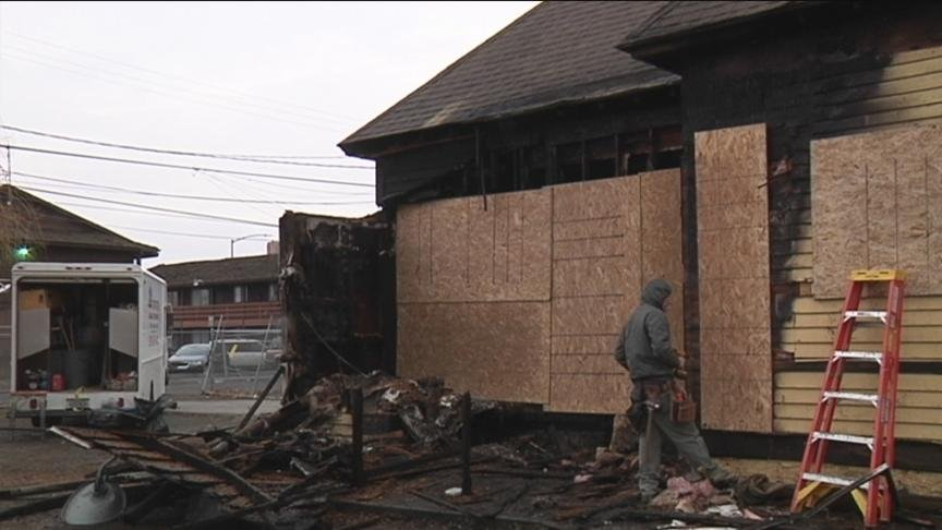 nvestigators are looking for whoever started a fire in Yakima early Thursday morning.