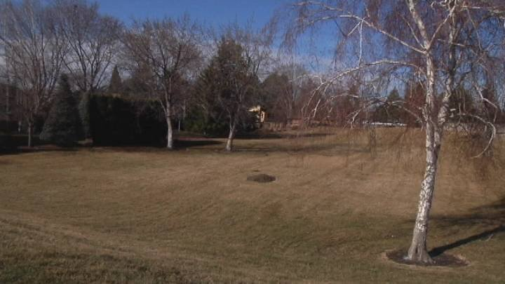People upset over the City of Richland's proposal to create an infiltration facility in a Richland neighborhood gathered at the Richland Community Center Tuesday night.