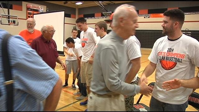 The community of Zillah celebrated the high school basketball team's state championship Wednesday night.