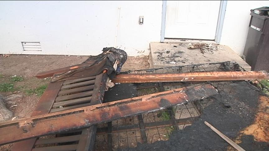 Yakima Firefighters are trying to figure out what caused an apartment fire Monday morning.
