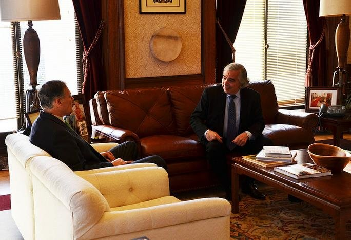 Washington Governor Jay Inslee met with US Dept of Energy Secretary Ernie Moniz on Monday regarding Hanford.