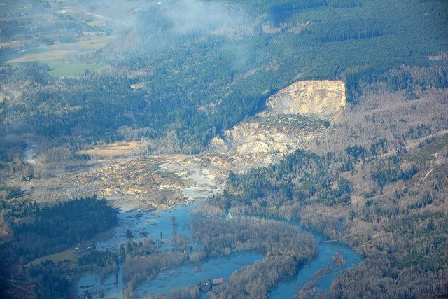 Washington authorities say they have all but abandoned hope of finding mudslide survivors, but are keeping the official death toll at 17.
