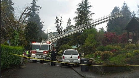 The Grays Harbor Coroner says a mother and daughter from Idaho died early Friday in a raging house fire.
