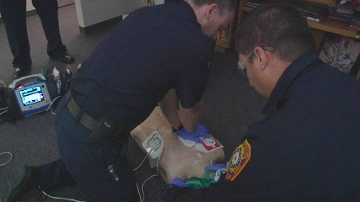 A 38 year-old Kennewick man goes into cardiac arrests right in front of his family, he was in that state for almost 30 minutes while emergency crews worked to get his heart working again.