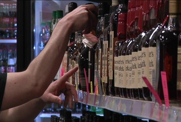 Proposed ballot measure would allow grocers to sell liquor