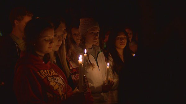 A midnight vigil is held at Seattle Pacific University, June 6, 2014, following a deadly shooting on campus. Courtesy: King 5