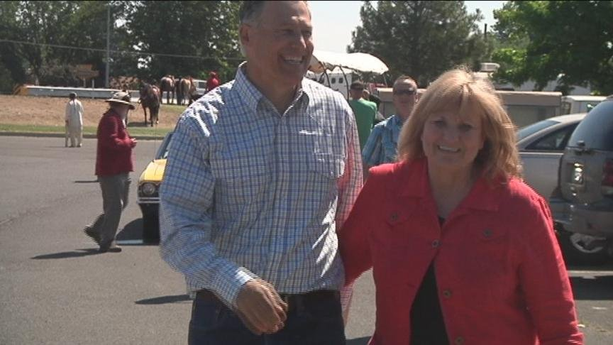 Governor Jay Inslee received some loud applause as he walked in the annual Yakama Nation Treaty Day's Parade.