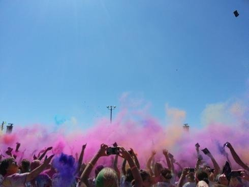 It was a colorful day Saturday in the Tri-Cities as runners took on the Run or Dye fun run.