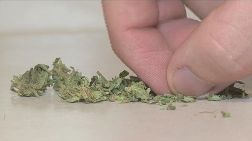 Marijuana stores have been open for a few weeks now. But the stores in union gap are having some of the same issues they've had since day one.