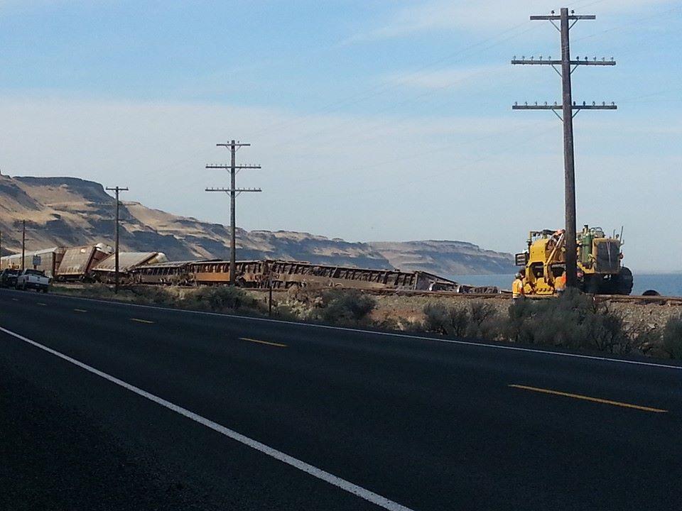 13 Empty Union Pacific Rail Cars Derail On Hwy 730 Nbc