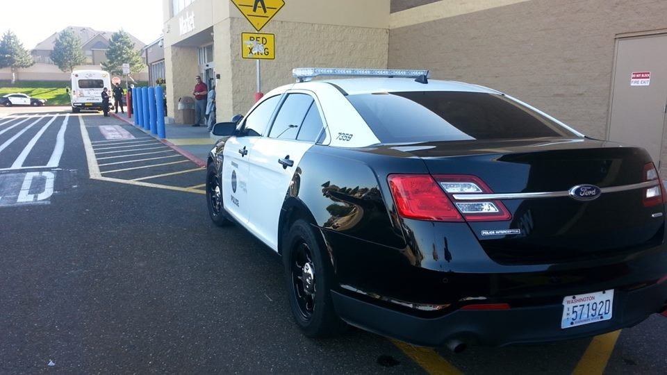 Kennewick Walmart evacuated after bomb threat