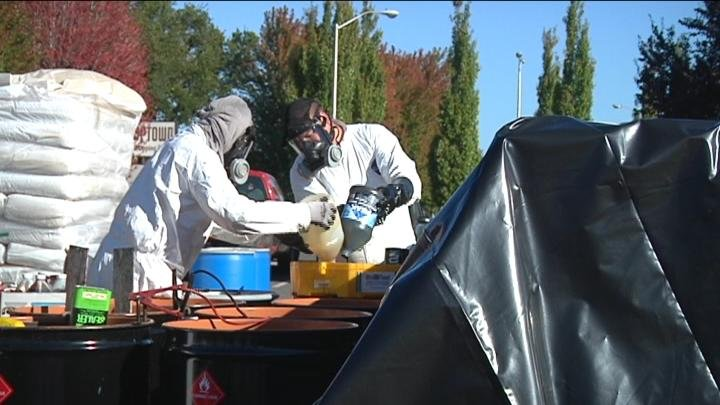 People disposed of their household hazardous wastes in an environmental-friendly way.