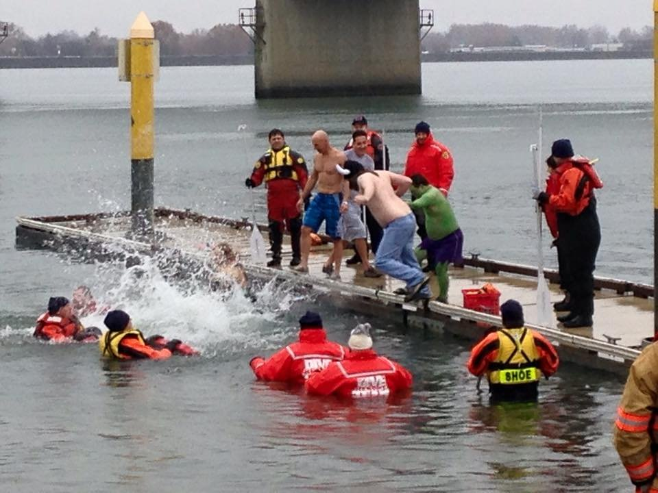 Plungers jumped in the Columbia River and helped raise funds for Special Olympics.