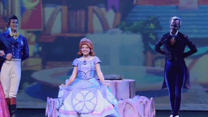 The audience will have a chance to participate and dance with the cast members during the show.