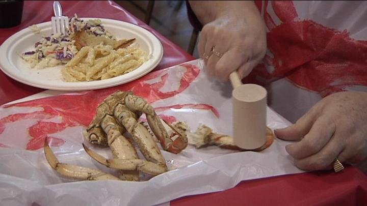 Close to 500 people enjoyed an all-you-can-eat crab dinner to support homeless animals.