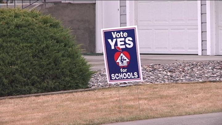 Nearly 250 supporters reminded Kennewick residents to return their ballots.