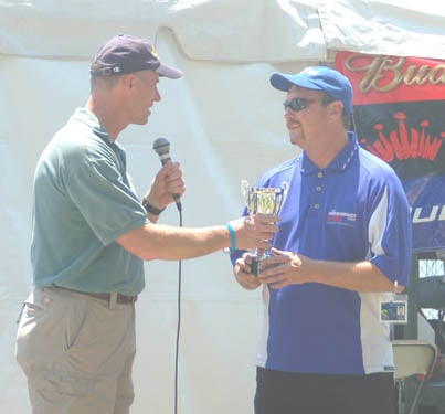 Steve gets to present trophy to Greg Hopp for Heat win - photos Jack Lowe