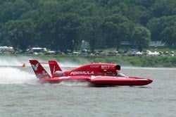 U-5 was declared the winner in Heat 1B after N2 violation was over-turned.  Photo:  Jim Simpson