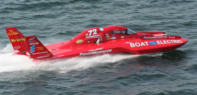 Kayleigh Perkins drove the UL-72 to victory