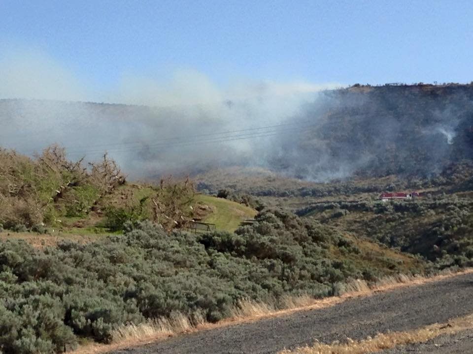 Brush Fire Starts Near Several Homes In Moxee Nbc Right